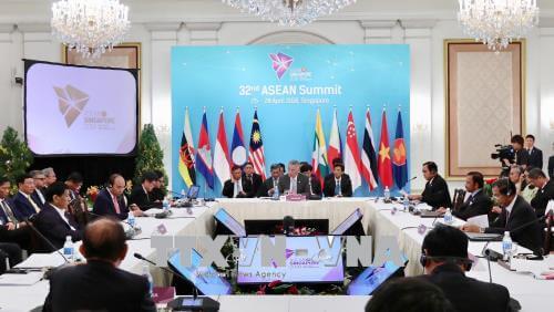 Thủ tướng Nguyễn Xuân Phúc dự Phiên họp toàn thể Hội nghị cấp cao ASEAN