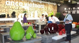 Vietnam joins int'l furniture fair in Singapore