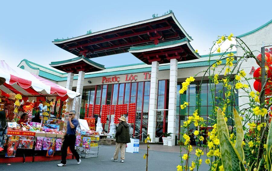 Thương xá Phước Lộc Thọ - nơi kinh doanh của người Việt tại California