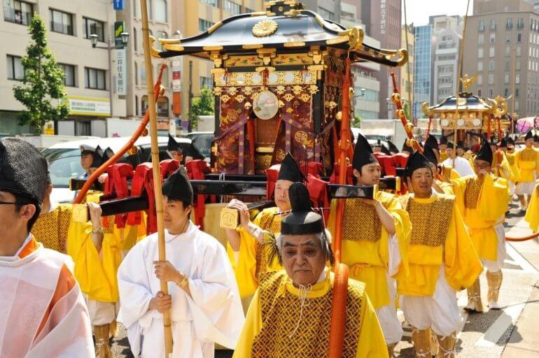 Lễ hội Sanno với đám rước đầy độc đáo.