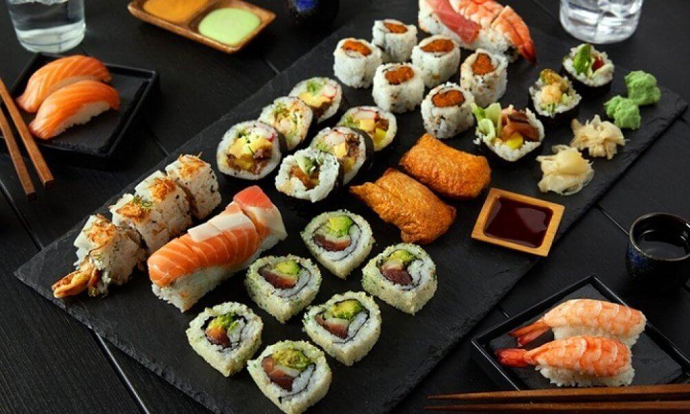 Sushi - món ăn truyền thống, không thể thiếu vào dịp năm mới ở Nhật Bản