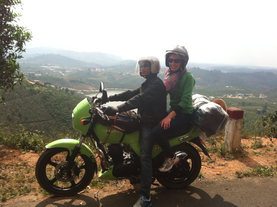 Traveling Hanoi to Cat Ba by motorbike for 2 days 1 night
